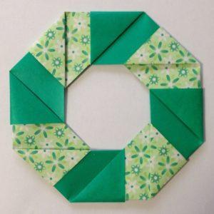 簡単にできる折り紙リース