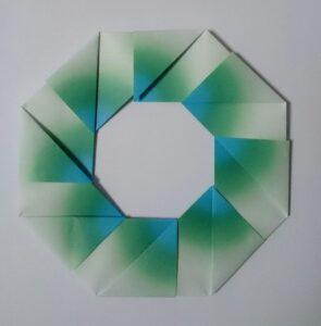 ハーモニー折紙で作った簡単リース